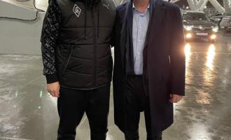 Генеральный директор АО«ТЯЖМАШ» поприглашению губернатора Самарской области посетил четвертьфинальный матч Кубка России